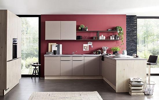 Küchenstudio & Möbelhaus mit Liegesofa